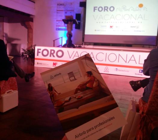 """Concentració davant el """"Foro Vacacional"""" (20-09-17)"""