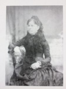Francisca Vidal Tous participà dintre de la societat de cosidores La Virtud Social i més endavant fou mestra a l'escola de la Unió Obrera Balear.